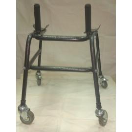 Ходунки-роллаторы на четырех колесах для детей-инвалидов Пилар6/1 с опорой под локоть